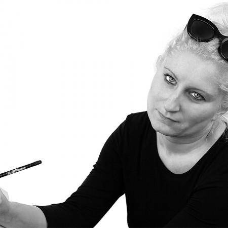 Cristina RaviglioneCreative Designer